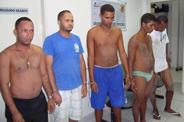 As prisões dos cinco homens acusados de assaltar agências bancárias do Rio Grande do Norte (Monte Alegre e Goianinha) foram feitas por agentes do Grupo de Operações Especiais da Polícia Civil da Paraíba