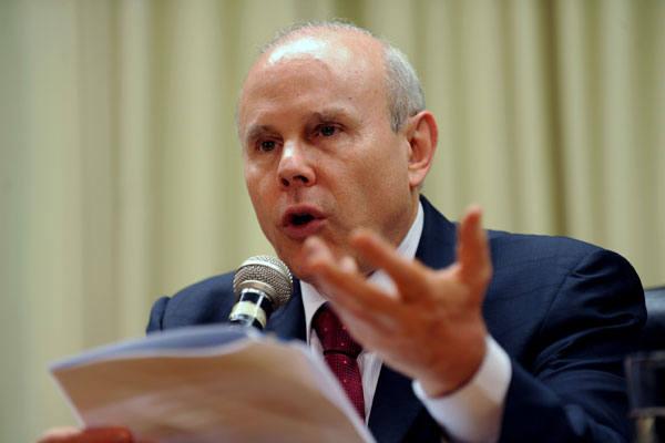 Ministro Guido Mantega afirma que não há sistemas invioláveis