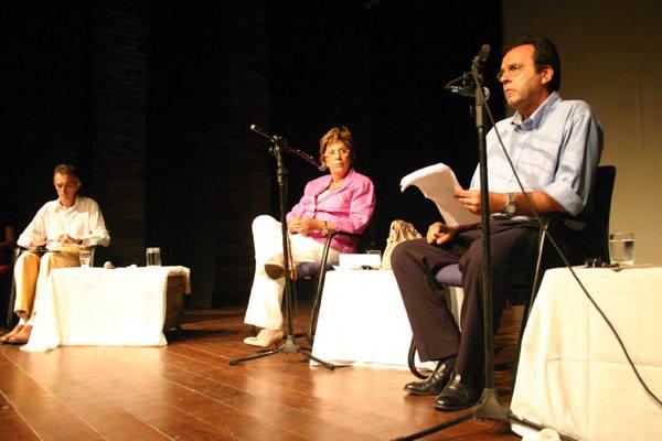 Na Casa da Ribeira, candidatos ao governo do Estado debateram assuntos como políticas públicas, tendo como mediador o jornalista Tácito Costa
