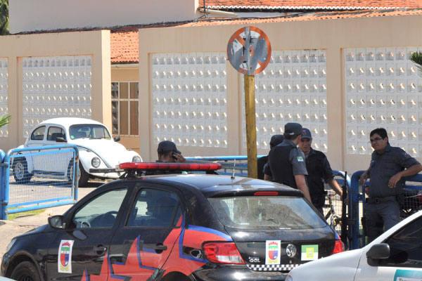 Companheiros do soldado Carlos Alberto do Nascimento estiveram no Hospital Santa Catarina