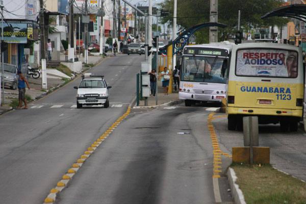 A nova Bernardo Vieira, cujo projeto separou carros particulares dos ônibus, recebeu muitas críticas
