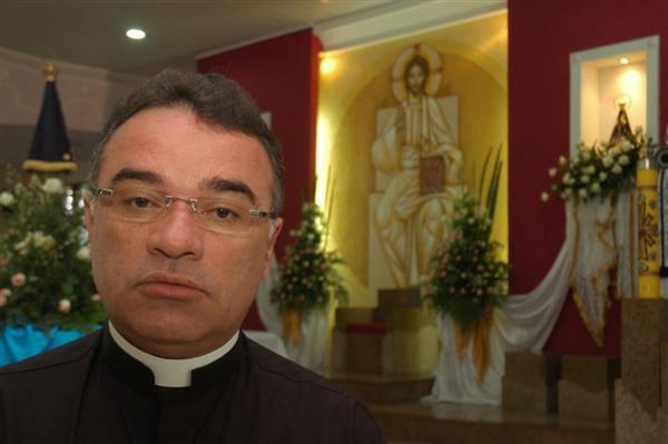 Resultado de imagem para padre nunes