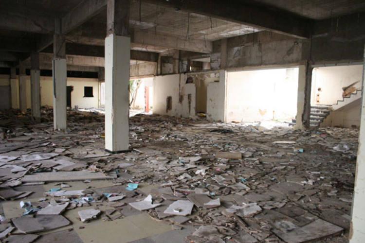 Antigo prédio onde funcionava a Semurb está abandonado e virou ponto para consumo de drogas