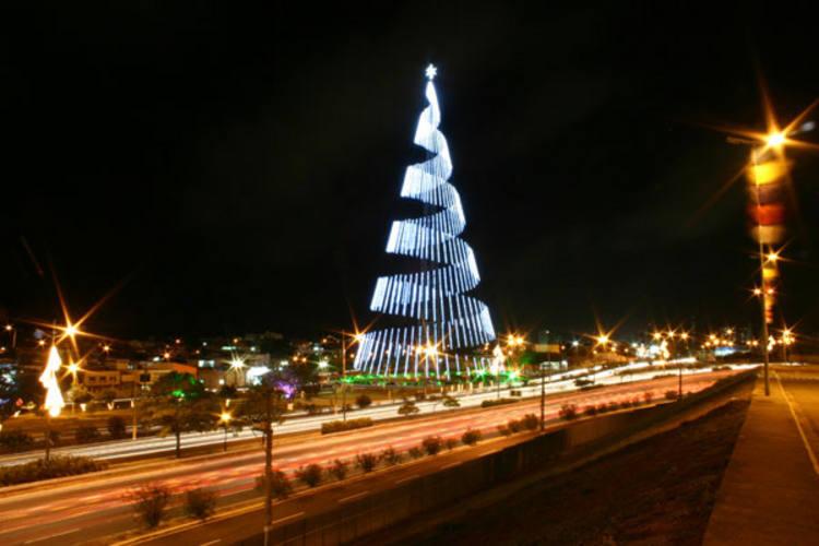 http://arquivos.tribunadonorte.com.br/fotos/67445.jpg