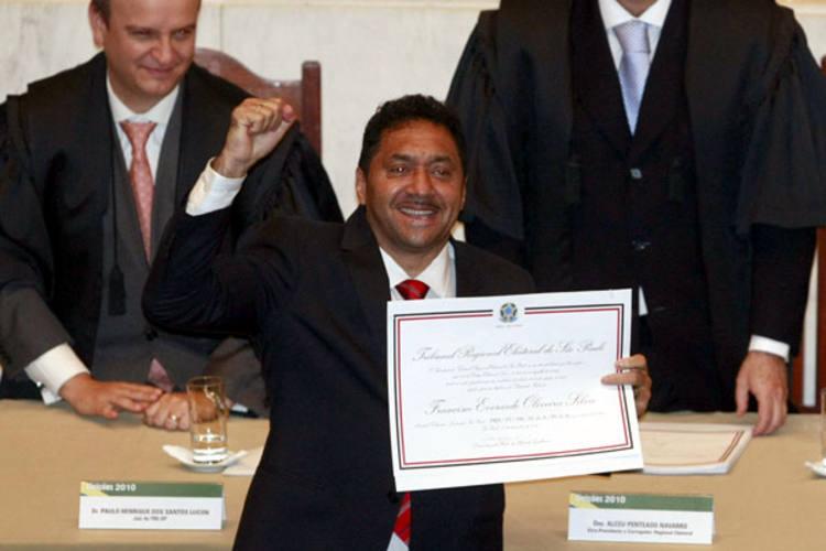 Palhaço Tiririca foi ovacionado ao receber o diploma de deputado federal por SP