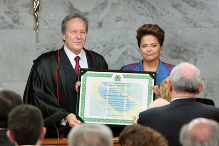 Dilma disse que vai honrar as mulheres, cuidar dos mais frágeis e governar para todos