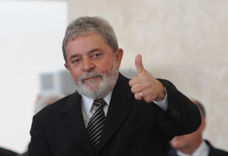Ex-presidente Lula é suspeito de se beneficiar de esquema investigado pela Lava Jato