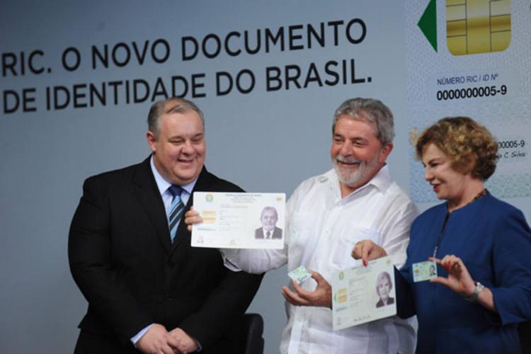 Novo RIC, lançado por Lula, reúne vários documentos, como CPF, Identidade, Título de Eleitor e PIS
