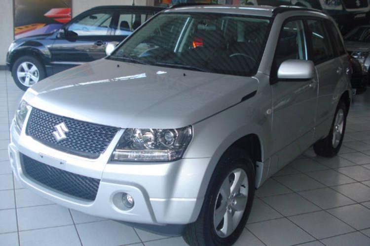 A Ippon Veículos acaba de receber o novíssimo Vitara 4x2 (lançamento), modelo 2011. O carro é charmoso e confortável