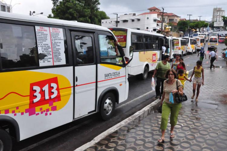 Protesto dos opcionais percorreu principais avenidas de Natal e dificultou a volta para casa dos trabalhadores da capital