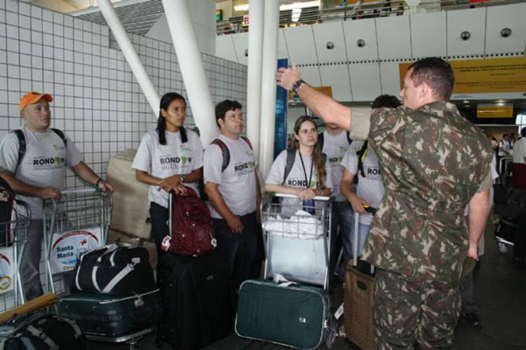 Estudantes desembarcam para integrar equipes que vão desenvolver cursos de formação