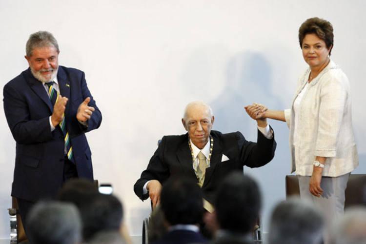 José Alencar recebe homenagem da presidenta Dilma Rousseff e do ex-presidente Lula