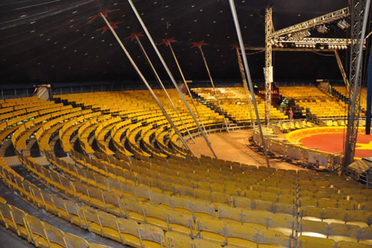 Pela primeira vez em temporada potiguar, Circo Portugal investe em tecnologia das águas dançantes e plateia de 3 mil lugares