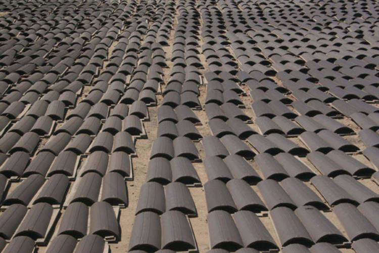 O projeto prevê a modernização da produção de telhas vermelhas e vai beneficiar a  região Seridó