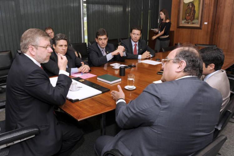 Presidente da Câmara, Marco Maia negocia com líderes a votação do projeto do salário mínimo