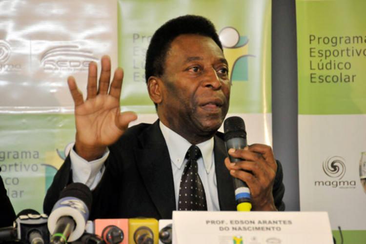 Pelé lembrou que os africanos tiveram a ajuda de muitas pessoas famosas de fora do continente