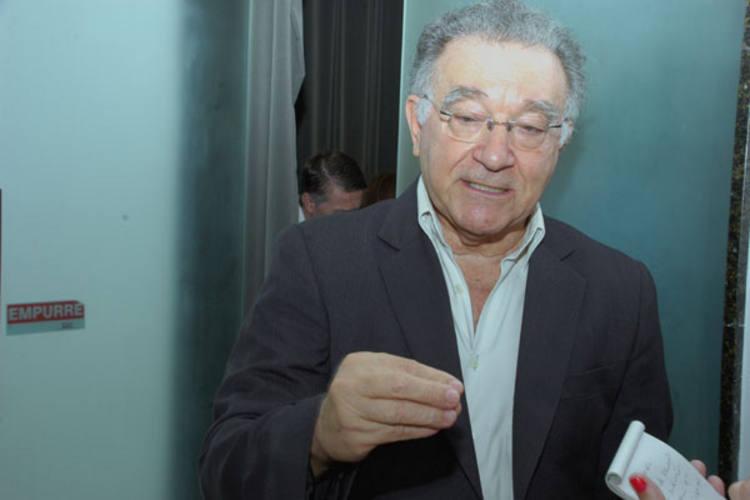 Secretário de Administração, Manoel Pereira, diz que convocações ferem Lei de Responsabilidade