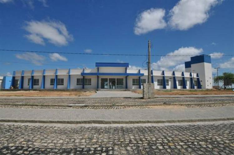 O complexo do campus da Ufersa Angicos conta com um bloco com 10 salas de aula, 10 laboratórios e 35 salas de professores