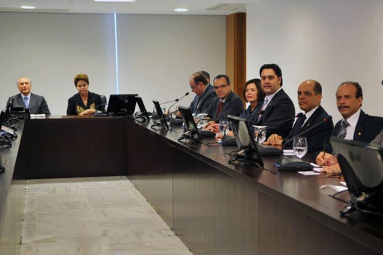 Líderes da bancada dos partidos da base aliada se reúnem com a presidenta Dilma Rousseff