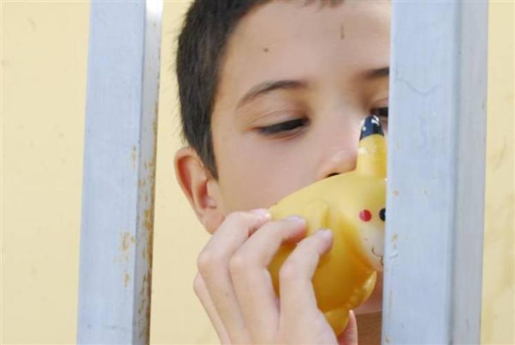 Garantia de inclusão de crianças autistas na rede de ensino - pública ou privada - não sai do papel