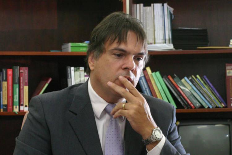 Juiz federal Mário Jambo disse que decisão sobre transferência de presos tem que ser técnica, e não política