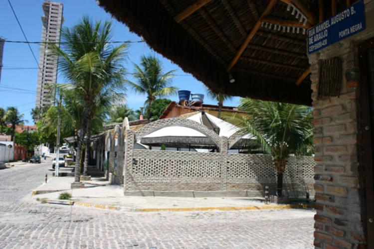 Funcionários que não quiseram se identificar afirmam que espanhol que foi preso em 2009 é proprietário de bares em Ponta Negra