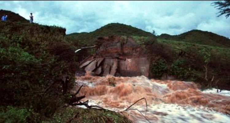 O local do rompimento é localizada à 12 quilômetros de Florânia/RN