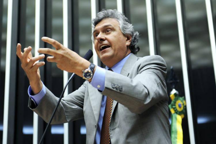 Deputado Ronaldo Caiado foi o autor da PEC favorável aos suplentes das coligações