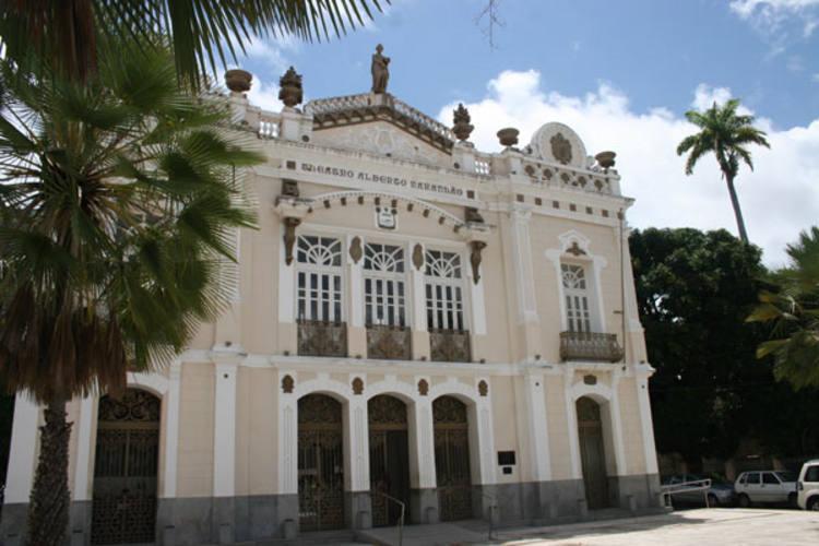 Teatro Alberto Maranhão abre pautas para espetáculos inéditos de teatro, música e dança