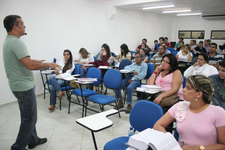 Depois de queda nas matrículas, cursinhos começam a recuperar alunos com a publicação de editais