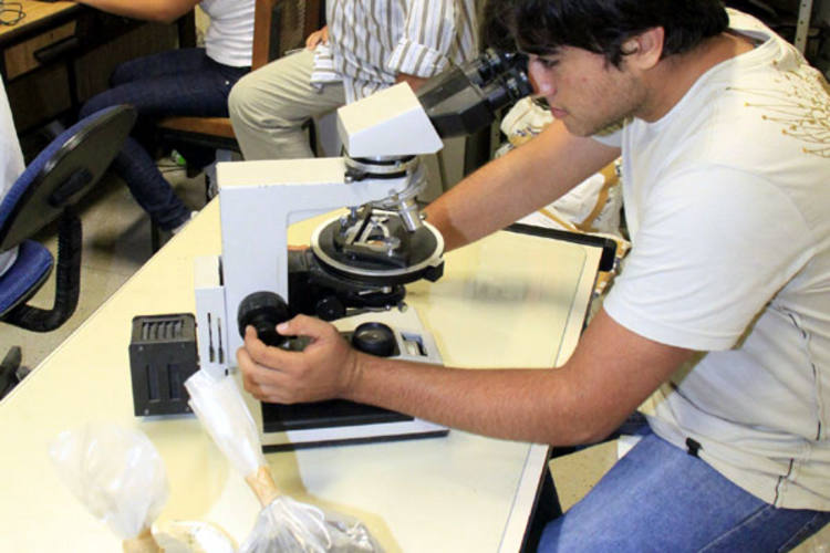 O IFRN tem hoje 70  grupos desenvolvendo pesquisas. O laboratório de mineração é um dos mais movimentados da Instituição