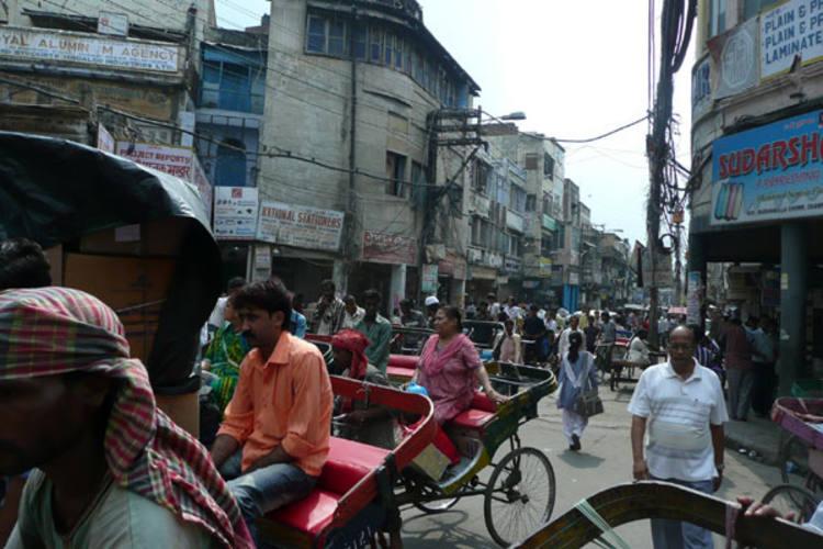 Médicos dizem que meio milhão de pessoas residentes em Nova Délhi carregam o gene das bactérias presentes nos intestinos