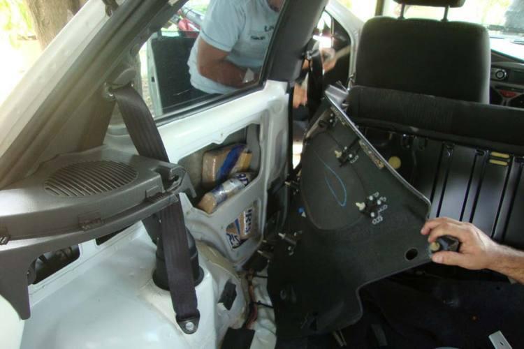 O acusado transportava a droga na lataria do veículo