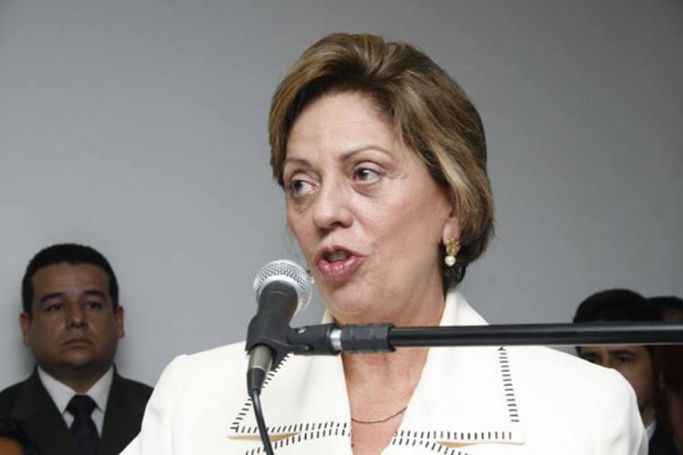 Rosalba lembra que está antecipando em 45 dias o prazo dado pela Fifa para nova etapa de obras