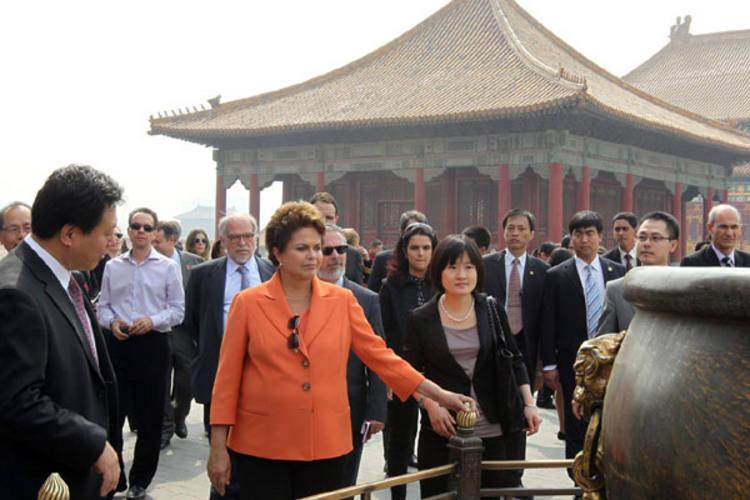 Na viagem à China, depois dos negócios, Dilma faz turismo no antigo Palácio Proibido, moradia dos antigos imperadores chineses