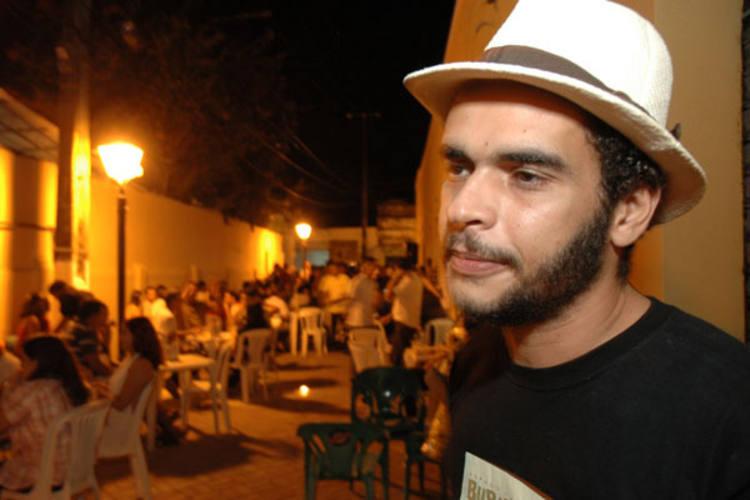 Um dos fundadores do projeto Buraco da Catita,  o músico Camilo Lemos, promete novidades