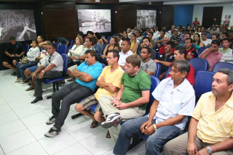 Policiais civis do Estado, que realizaram assembleia na semana passada, planejam parar por 48 horas