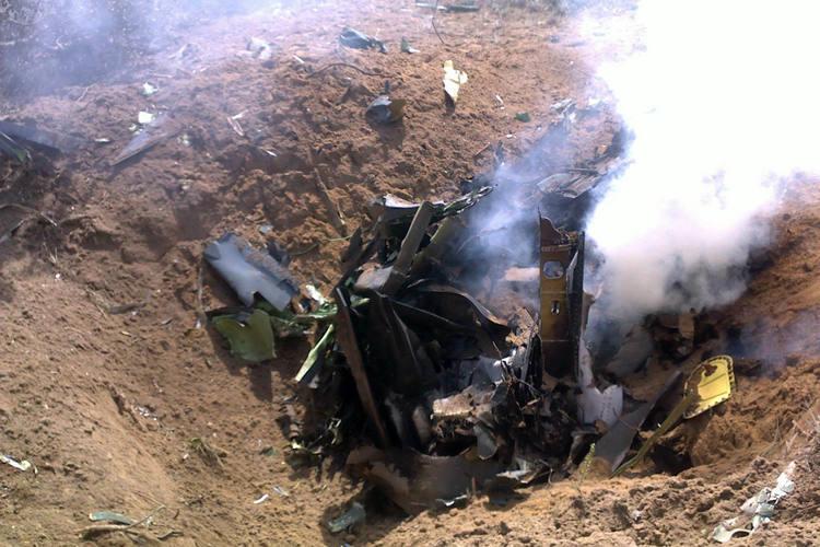 O piloto não resistiu aos ferimentos e morreu no local do acidente