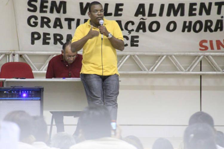 O representante da Toesa em Natal, Marcos Crispim, participou de reuniões com agentes de endemias