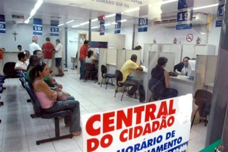 Serviços nas centrais do cidadão estão comprometidos por problemas de estrutura e falta de material de expediente
