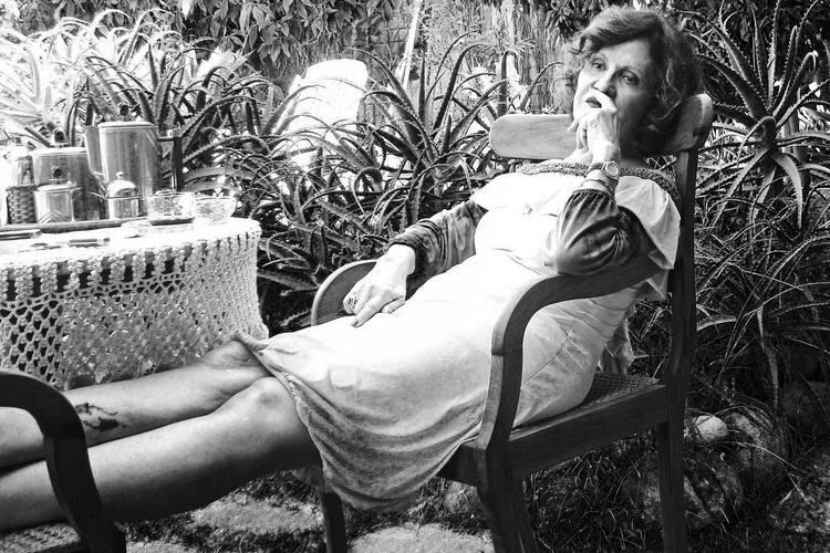 """A atriz Rosamaria Murtinho, como uma mulher tomada pela poesia de Zila Mamede: """"O mar é o grande personagem"""""""
