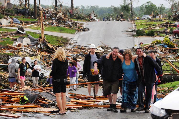 Joplin, cidade de 50 mil habitantes, perto de Kansas City, foi a mais castigada pelo tornado de domingo