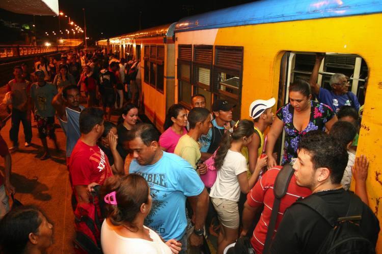 Sem ônibus suficiente, passageiros aderiram ao sistema ferroviário para chegar e sair do trabalho