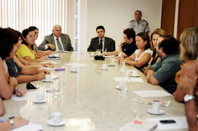 A decisão veio após o diálogo com autoridades da administração estadual na manhã desta sexta-feira, 27