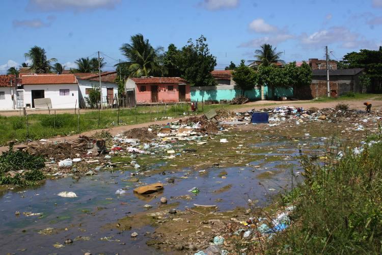 Na zona Norte, um exemplo da ineficiência do serviço de limpeza