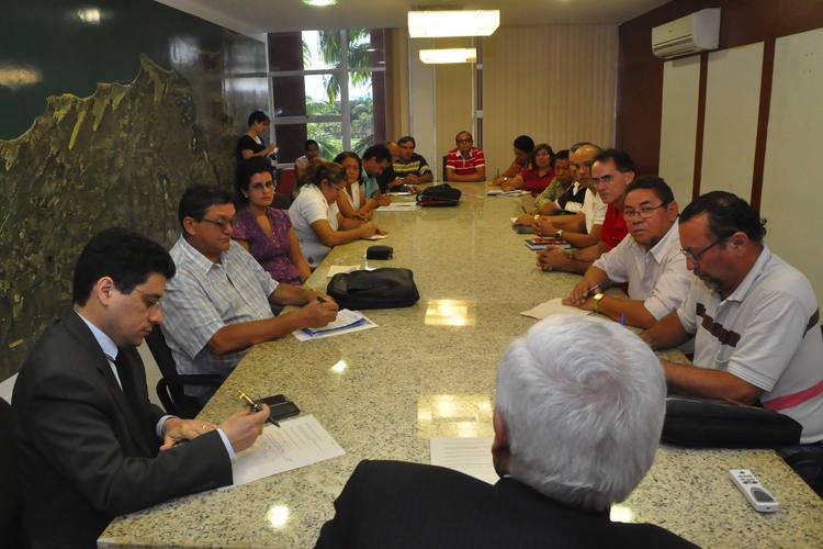 Reunião com o Sindicato da  Administração Indireta não caminhou. Governo não apresentou proposta  real sobre Plano de Cargos