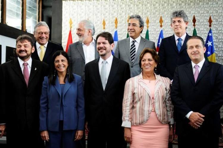 Rosalba Ciarlini e demais governadores do Nordeste participam de reunião em Fortaleza