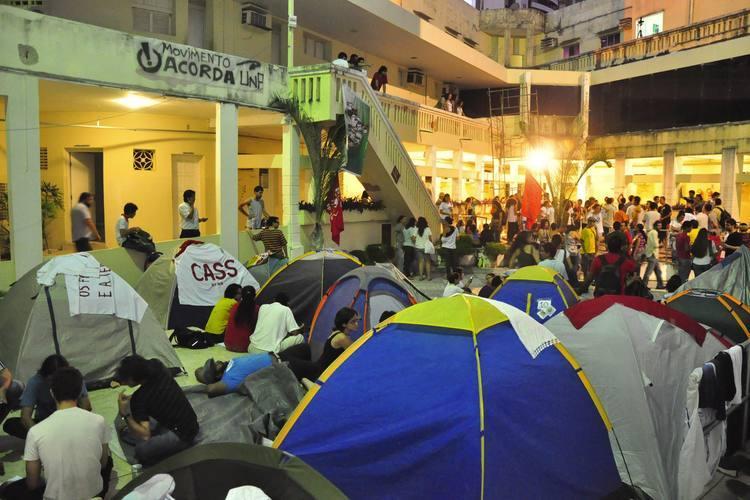 Manifestantes permanecem acampados no pátio da Câmara, com a garantia judicial de que não serão expulsos