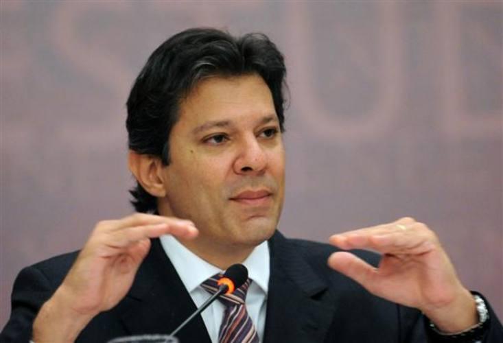 * Haddad pede suspensão de greve dos técnicos das universidades federais para retomada de negociações.