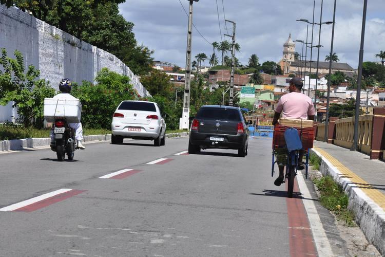Natalense não encontra infraestrutura adequada para usar bicicleta como meio de transporte ou para prática de exercício. Quando insistem em sair às ruas, disputam espaço com os demais veículos